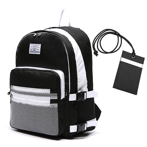 3D BACKPACK - BLACK & WHITE